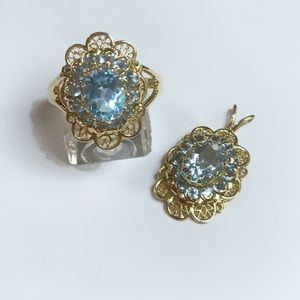 10kt gold and blue topaz pendant and ring (7) set